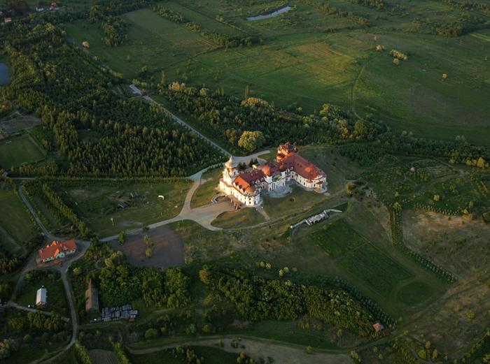 Prywatny pałac w Leżachowie #2